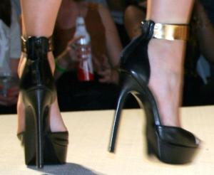 REV Shoe 2